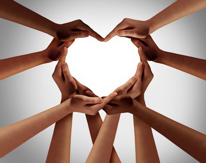 Kuvituskuva, jossa kädet muodostavat sydämen