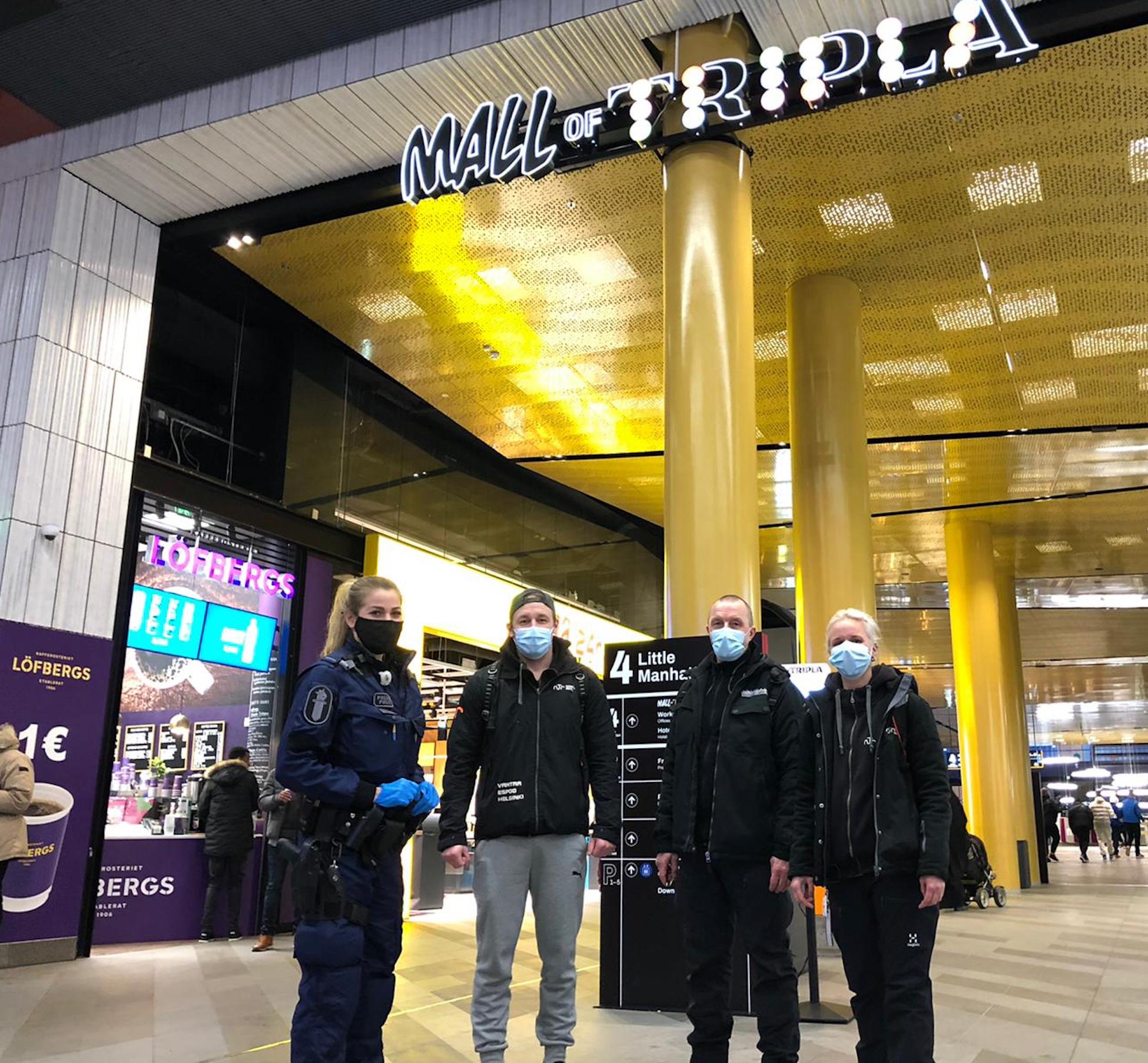 Aseman Lasten Mikko Riiheläinen ja yhteistyökumppanit jalkautumassa kauppakeskus Triplassa.